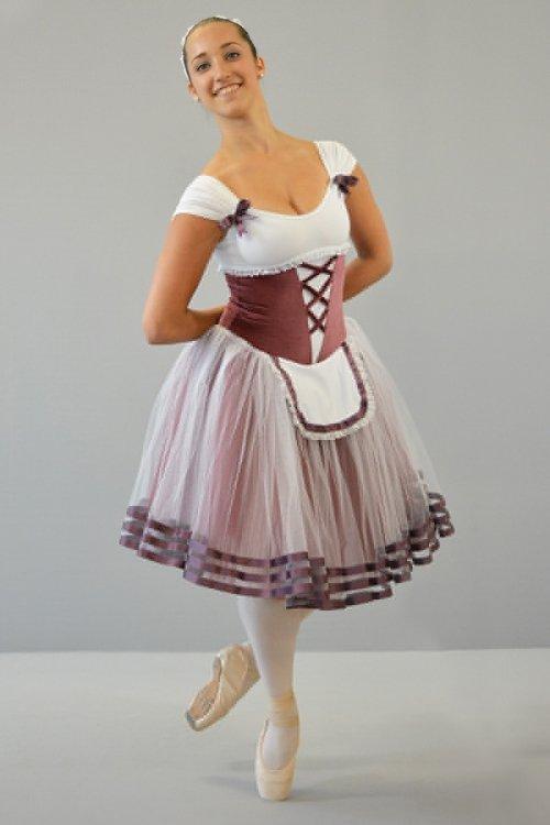 Giselle - Mod. 1440 Mod. 1440 - Rifiniture in raso e pizzo - Gonna in tulle morbido - 4 strati - h da 30 a 80 cm prodotti    Atelier della Danza