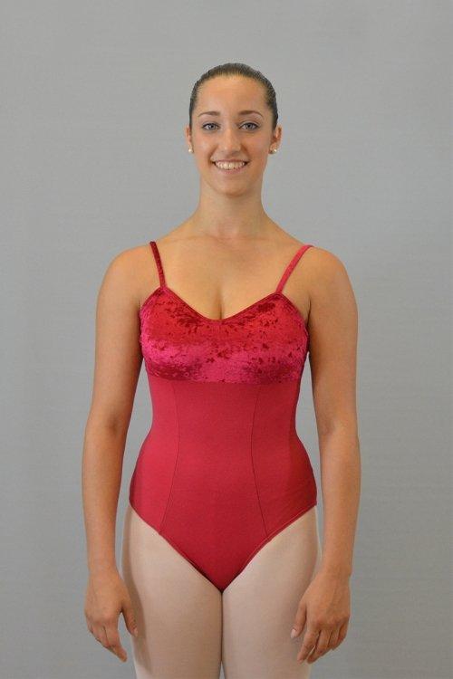 247/C Body con bretelle sottili. Taglio sotto il seno. Riprese davanti. Parte superiore in ciniglia prodotti    Atelier della Danza