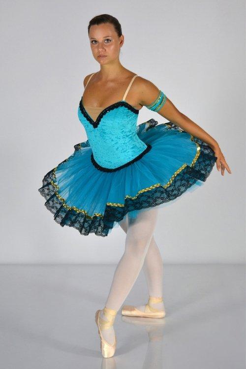 Esmeralda Mod. 439 - SEMIPROFESSIONALE - Rifiniture con passamaneria e pizzo - Gonna in tulle rigido - 9 strati - 30-35-38 cm prodotti    Atelier della Danza