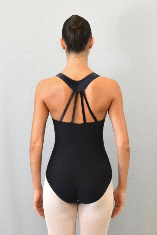 """8056/C Body con girocollo """"americano"""". Bretelle decorative sulla schiena. Parte superiore in ciniglia prodotti    Atelier della Danza"""